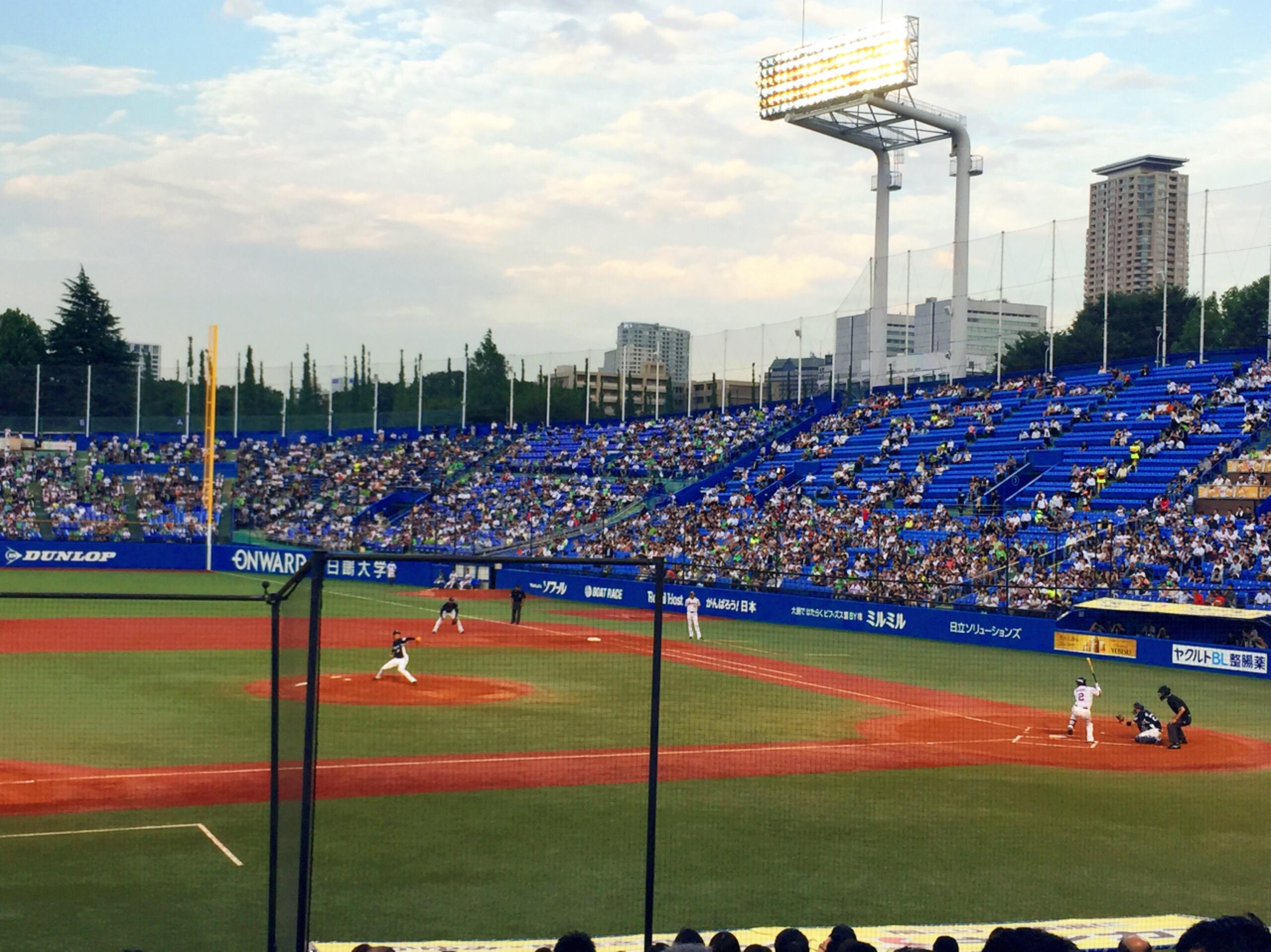 神宮球場と2016夏ネイル シンプル系